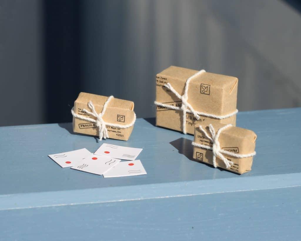 Brown parcels for fairy door the little lavender tree for Little fairy door accessories