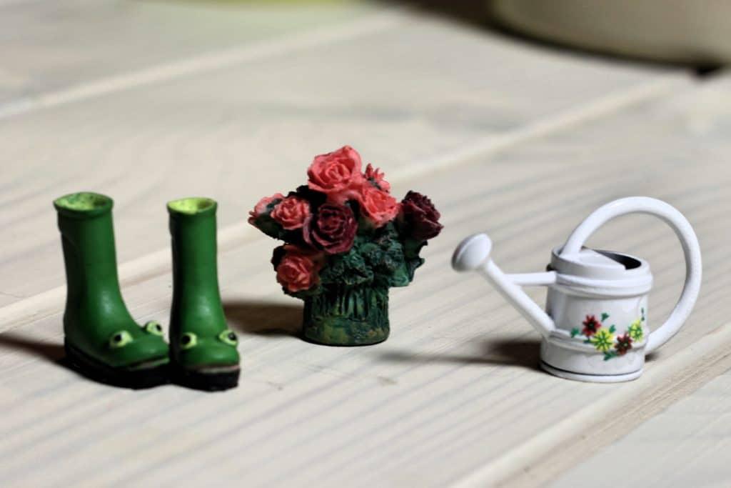 Gardening kit for fairy door the little lavender tree for Little fairy door accessories