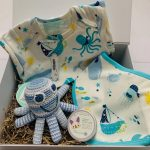 Seaside hamper